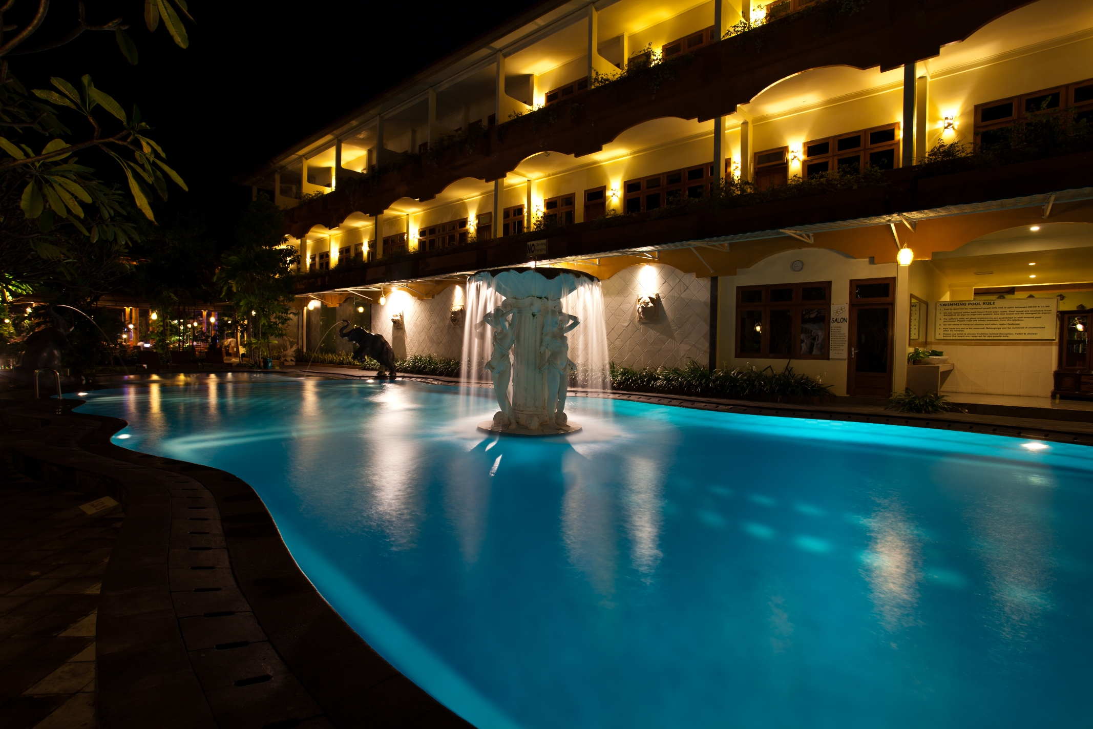 Swimming pool exterior febri 39 s hotel spa bali - Cheap hotels in aberdeen with swimming pool ...