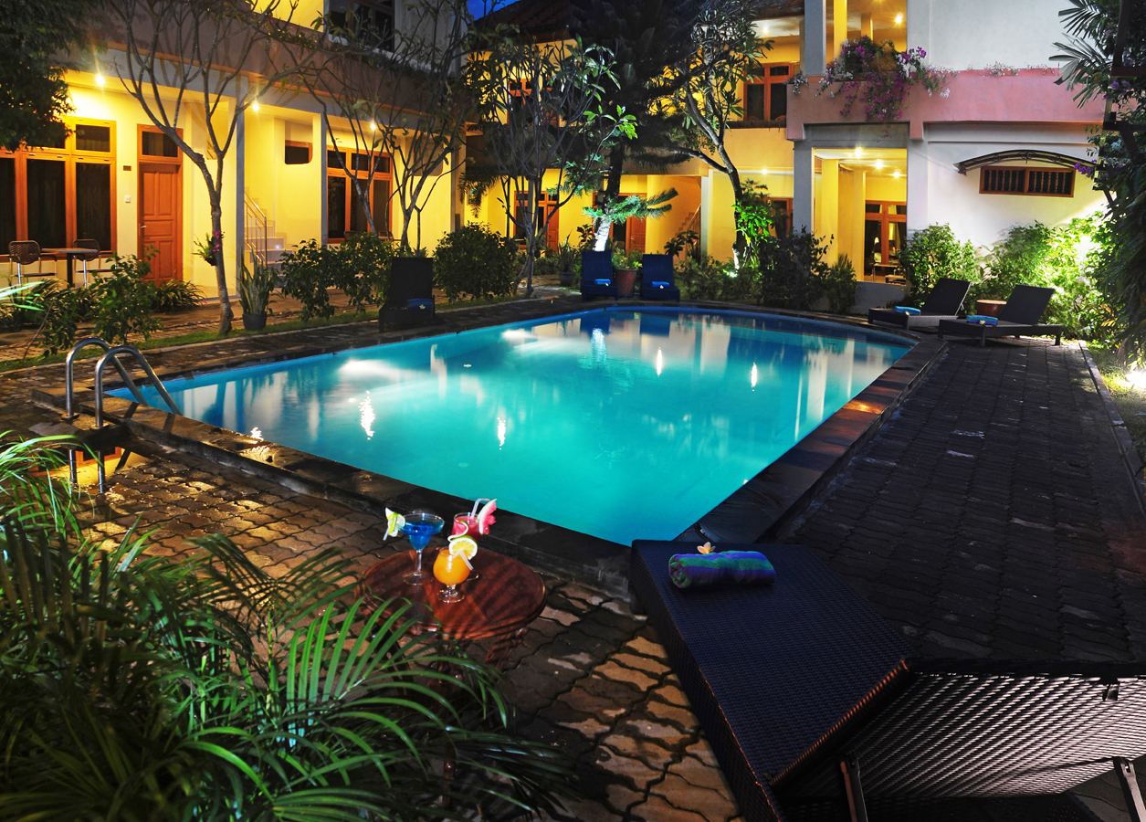 Accomodation febri 39 s hotel spa bali hotel kuta bali cheap hotel for Cheap resorts in ecr with swimming pool