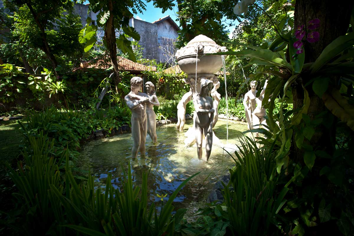 Spa cottages febri 39 s hotel spa bali hotel kuta for Garden salon